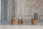 Buddhistische Mönche am Taj Mahal