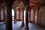 Säulenhalle im Red Fort