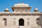 Die Kuppel erinnert an ein Zeltdach - Itimad-ud-Daula