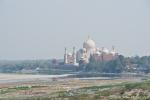 Blick vom Roten Fort auf das Taj Mahal am Yamuna-River