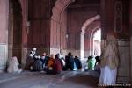 Moslems beim Gebet - Jami Masjid