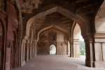Bogengang der Bara Gumbad Moschee - Lodi Garten