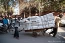Schwertransport in den Straßen der Altstadt