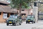 Mit diesen offenen Gypsy-Jeeps ist man im Nationalpark unterwegs