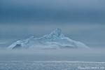 Eisberg im Nebel