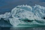 Grün schimmerndes Gletschereis
