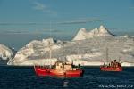 Mit Fischkuttern vorbei an den Eisbergen