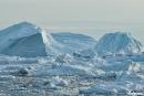 Eisberge von gigantischem Ausmass treiben in der Bucht