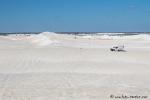 Gigantische weiße Dünenlandschaft und mittendrin unser Camper