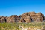 Die rotgrau getigerten Sandsteindome