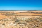 Karge Landschaft bestimmt das Bild