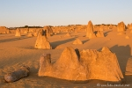 Langsam werden die Schatten der Kalksteinsäulen länger