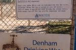 In Denham kann man Trinkwasser am Automaten tanken