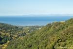 Blick vom Hochland auf die Pazifikküste