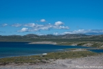 Gletscherseen sind in die bergige Landschaft eingebettet - Kangerlussuaq