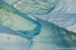 Grün und blau schimmert das Gletschereis