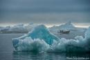Blau schimmernde Eisberge