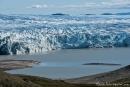 Blau schimmerndes Gletschereis