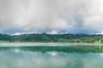 Blick über den sehr schwefelhaltigen Linowsee bei Lahendong