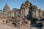 Zahlreiche kleine Tempel bilden die Candi Sewu-Anlage