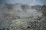 Ohne Guide wäre die Orientierung im Krater des Papandayan sehr schwierig