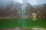 Faszinierend schöner grüner Kratersee-