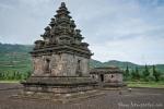 8 kleine Candi bilden den Arjuna-Tempelkomplex auf dem Dieng-Plateau
