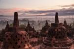 Sonnenaufgang am Borobudur-Tempel