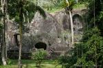 Man sagt, die Seelen der Toten leben noch hier in der Schlucht - Gunung Kawi