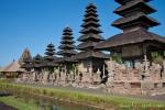 Der dritte Innenhof des Pura Taman Ayun ist leider für die Besucher geschlossen bleibt. Hier stehen die schönen Merus (Pagoden)