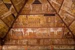 Die Deckengemäle geben Auskunft über die Sitten längst vergangener Zeiten - Gerichtshalle Kerta Gosa im Palast Taman Gili