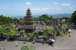Blick auf die vielen Tempel der Pura Besakih-Anlage