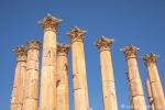 Säulen des Artemis-Tempels – die schönsten, die man in Jordanien finden kann, Jerash