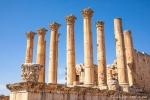 Die schönen Säulen des Artemistentemples in Jerasch (Gerasa)