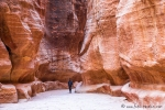 Beeindruckender Zugang zur roten Felsenstadt Petra