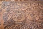 Bodenmosaik in der ehemaligen Kirche