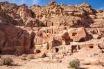 Zahlreiche Gräber, Petra