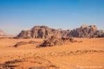 Hinter jedem Felsen befindet sich ein Camp, Wadi Rum