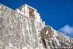 Die Ringe am Ballspielkplatz dienten beim Mesoamerikanischen Ballspiel als Tore,  Chichen Itza