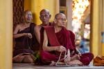 Mönche in der Shwedagon Pagode