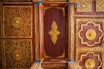 Kunstvoll geschnitzte Holzdecke im Dama Lin Khar Ra Kloster