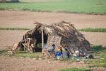 Bescheidene Behausung eines Bauern, der hier mit seiner 6-köpfigen Familie wohnt