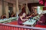 Mittagessen im Mahagandayon Kloster