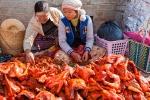 Hühnchen auf dem Markt in Aungban