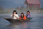 Erreichen kann man die Siedlungen auf dem See nur mit einem Boot - Inle See