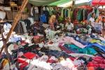 Hier landen unsere Altkleider - Markt in Bago