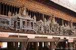 Kunstvolle Schnitzerei am Holzkloster Youk Soun Kyaung