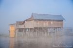 Bambushütte der Intha (Menschen vom See) auf dem Inle Lake