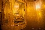 Schrein mit Gold und Edelsteinen in der Botataung Pagode