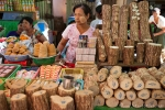 Thanakaholz - Markt in Bago